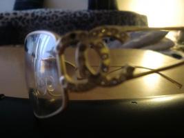 Foto 2 Sonnenbrille von Chanel.Mit Stra� und goldfarbend!Luxus!