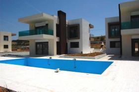Sonnig, sch�n gelegen - Modernes Einfamilienhaus nahe Thessaloniki/Griechenland