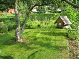 Foto 3 Sonniger Garten mit massiven Bungalow (24qm), 3 Nebengelasse, Fürstenwalde Spree
