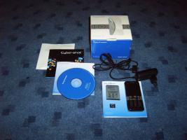 Sony Ericsson K550i inkl 1 GB MicroSD , Ladekabel, original Akku!