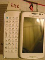 Sony Ericsson Txt Pro Smartphone (7,6 cm (3,0 Zoll) Touchscreen, QWERTZ-Tastatur, 3 MP Kamera) wei�