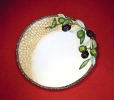 Speiseteller mit erhabenen Korb-Olivenrelief