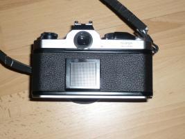 Foto 3 Spiegelreflexkamera Nikon FM mit Objektiv Nikon Nikkor 50 mm 1:1,4
