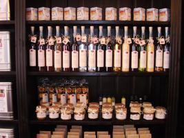 Spitzen-Liköre und Brände von Gourmet Berner