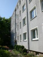 Stadthagen, 3-Zi. Wohnung Küche, Bad, Balkon, Keller zu vermieten 66,14 qm KM 295, - + NK
