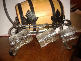 Foto 3 Stahlgerüst, Kessel mit hängenden Schnapsgläser