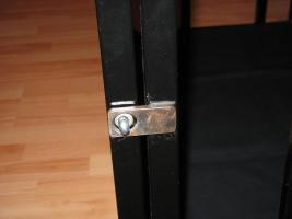 Foto 4 Stahlkäfig mit Kopfpranger in schwarz lackiert abschließbar für Rollenspiele BDSM Deko