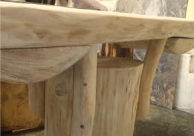 Foto 6 Stammtisch, Baumstammtisch, Holztisch massiv