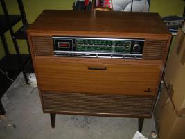 Foto 2 Stereo Konzertschrank Como 10BX der FA Grundig