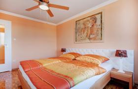 Foto 3 Stilvoll eingerichtetes Apartment (inkl.Internet u. Balkon )