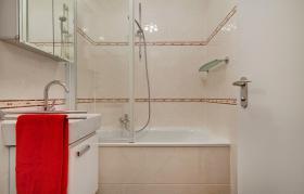 Foto 6 Stilvoll eingerichtetes Apartment (inkl.Internet u. Balkon )