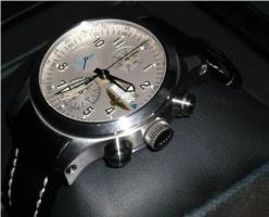 Streng Limitierter Fortis B-42 Chronograph