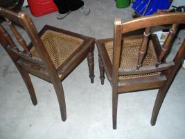 Foto 2 Stühle aus dem Jahr 1940