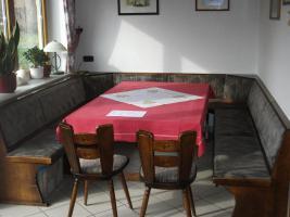 Foto 3 Stühle, Tische, Eckbank von Weinstube