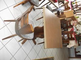 Foto 4 Stühle, Tische, Eckbank von Weinstube