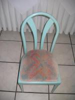 Stühle - Tische - Wandlampe: Privat o. Gastronomie