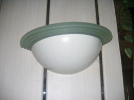 Foto 5 Stühle - Tische - Wandlampe: Privat o. Gastronomie