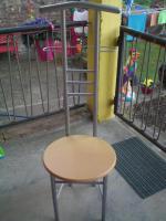 Stuhl für Kleiderablage