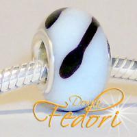 Style Bead Black & White