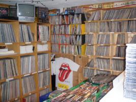 Suche Schallplatten und CD`s - Metal - Punk - HC - AOR - Hardrock - Indie-usw.....
