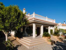 Foto 2 Südspanien, Strandnähe:10 Zi Villa