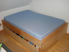 Super Masives Bett 1,40x2,0m *Ideales Gaestebett*