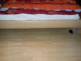 Foto 2 Super schönes Bett, modern 140X200 mit oder ohne Nachtschränkchen