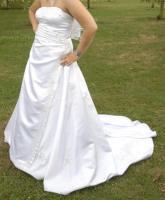 Foto 3 Super schönes elegantes Brautkleid