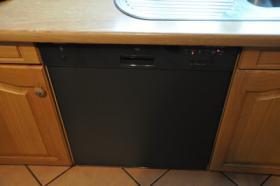 Foto 6 TOP Einbauküche - Siemens Spülmaschine, Herd, Kühlschrank, Gefrierschrank - TOP