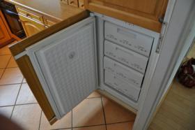 Foto 10 TOP Einbauküche - Siemens Spülmaschine, Herd, Kühlschrank, Gefrierschrank - TOP