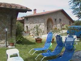 Foto 11 TOSCANE-MUGELLO 25 km Florence accommodatie ROSMARINO in farm met pool