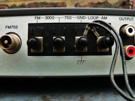 Foto 8 TUNER Luxman T 111 L - Digital-Tuner mit Loop-Antenne, guter Zustand