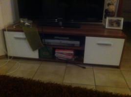 Foto 2 TV-Board + Schrankwand + Vitrine - 1A Zustand