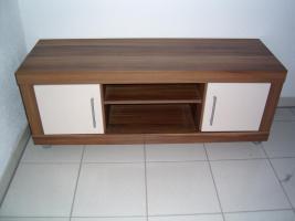 TV-Tisch Nu�baumnachbildung