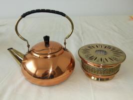 Teekanne mit Stövchen aus Messing + Kupfer