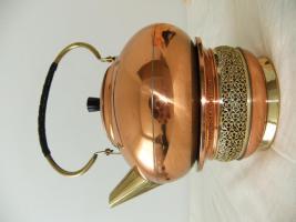 Foto 2 Teekanne mit Stövchen aus Messing + Kupfer