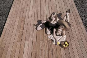 terrassenbelag terrassenbel ge l rche douglasie eiche robinie. Black Bedroom Furniture Sets. Home Design Ideas