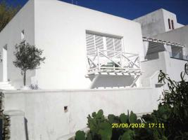 This beautifully restored and modernized house on the isl. of Myconos/Greece