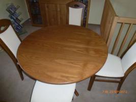 Tisch mit 4 Stühle gekauft in Oelsa
