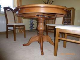 Foto 2 Tisch mit 4 Stühle gekauft in Oelsa