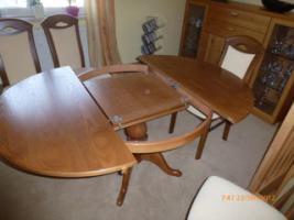 Foto 4 Tisch mit 4 Stühle gekauft in Oelsa