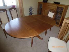 Foto 5 Tisch mit 4 Stühle gekauft in Oelsa