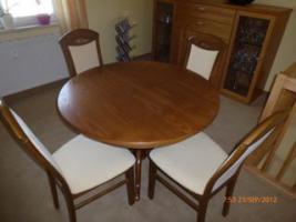 Foto 6 Tisch mit 4 Stühle gekauft in Oelsa