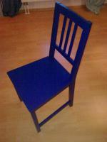 Tisch mit 4 Stühlen blau lackiert