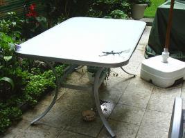 Tisch f�r Garten und Balkon