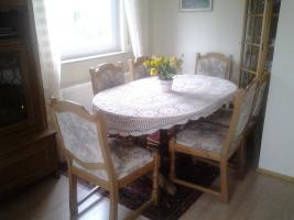 Tisch oval u. 6 Stuehle, Eiche