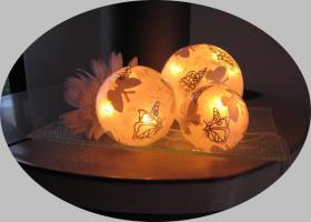 Foto 4 Tischlampe Tischleuchte Leuchtobjekt Schmetterlinge