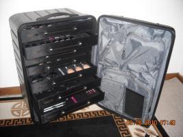 titan kosmetik koffer teils gef llt in schmallenberg von. Black Bedroom Furniture Sets. Home Design Ideas