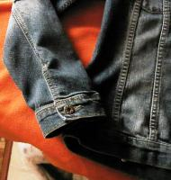 Foto 2 Tolle Jeansjacke mit Kapuze