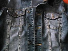 Foto 3 Tolle Jeansjacke mit Kapuze